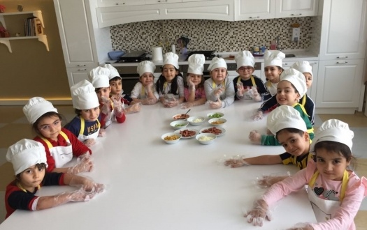 ANA SINIFININ MİNİK ŞEFLERİ PİZZA YAPTI! ( Little Cooks of the Kindergarten Made Pizza)