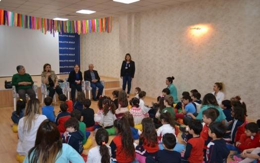 Ana Sınıfı Öğrencileri Yaşlılar Gününü Kutladı (Kindergarten Students Celebrated the Grandparents Day)