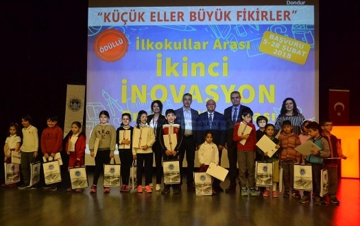 İLKOKULLAR ARASI İNOVASYON PROJELERİ YARIŞMASININ ÖDÜL TÖRENİ YAPILDI (The Award Ceremony of Among Primary Schools Innovation Projects Contest was Held)
