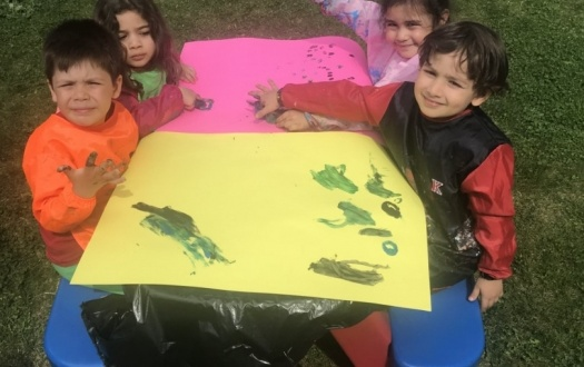 ANA SINIFI ÖĞRENCİLERİ BAHÇEDE EĞLENDİLER (KINDERGARTEN STUDENTS HAD FUN IN THE GARDEN)